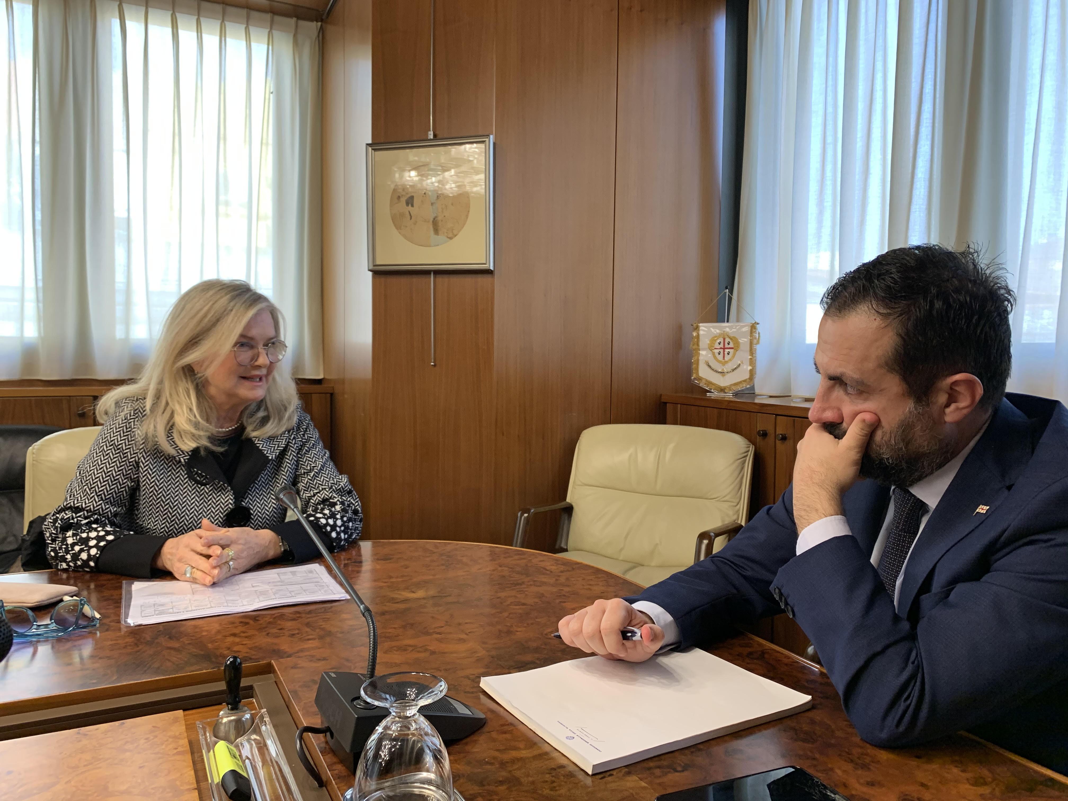 Il Presidente Pais con La Presidentessa del Corecom, Luisa Anna Ronchi